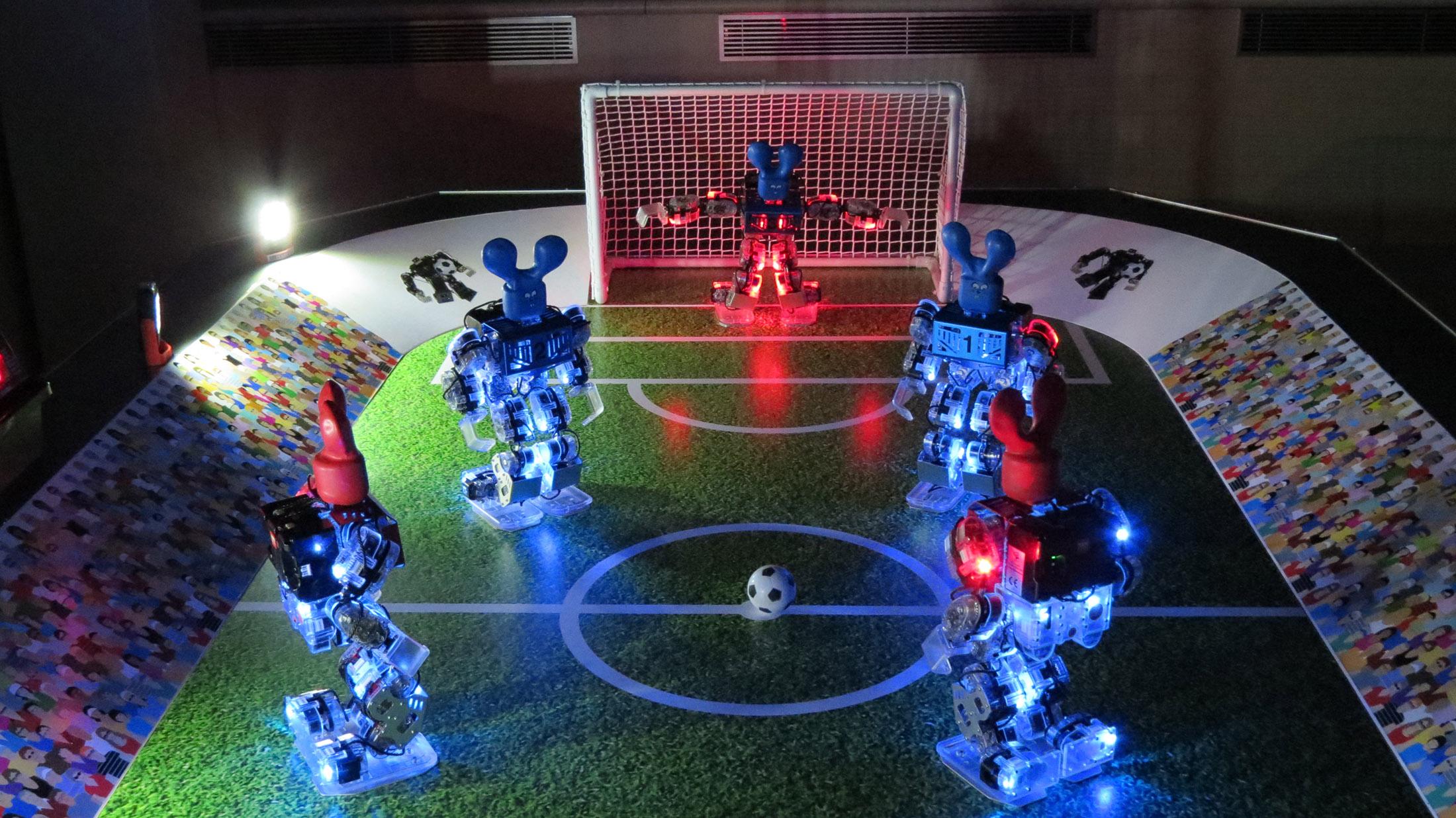 Robots Footballeurs prêt au match