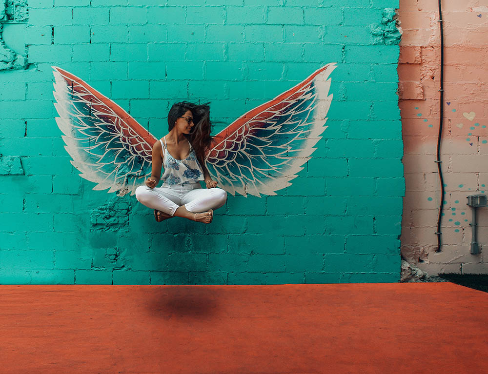Angel_floating