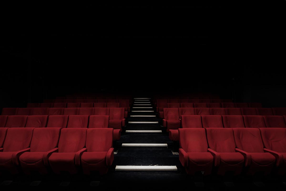 Salle de cinéma avec ses sièges